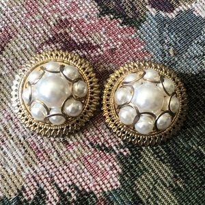 Unique Vintage faux pearls earrings